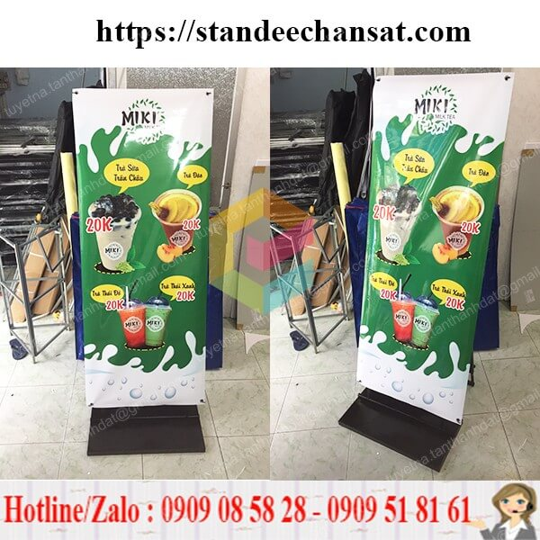khung standee treo quang cao